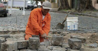 Tareas para preservar adoquines en el Casco Histórico de San Isidro